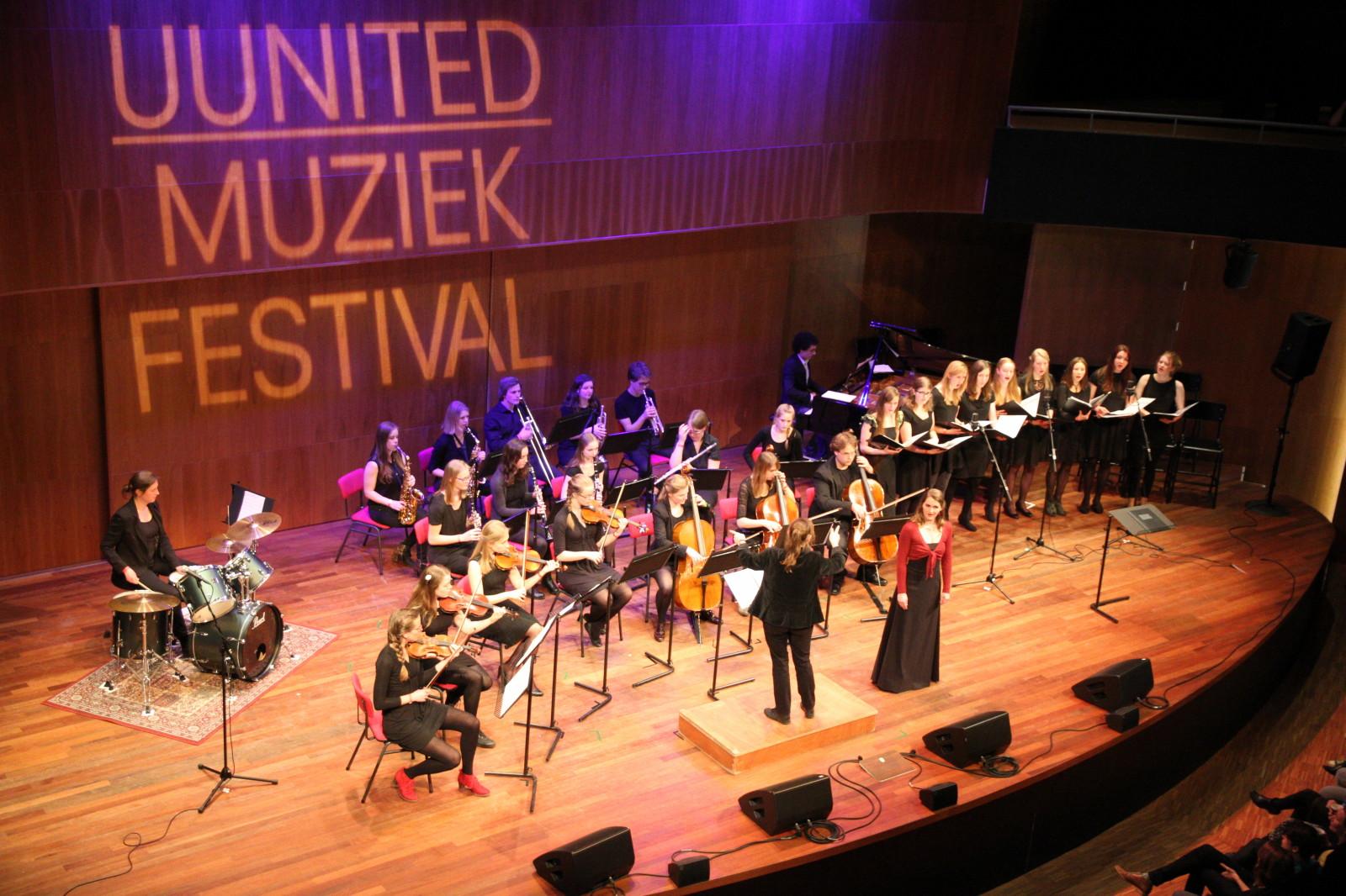 Carmen op UUnited festival, foto door Paul van Laar
